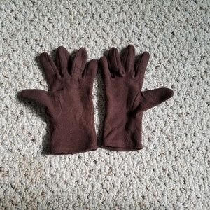 Chocolate color winter gloves.